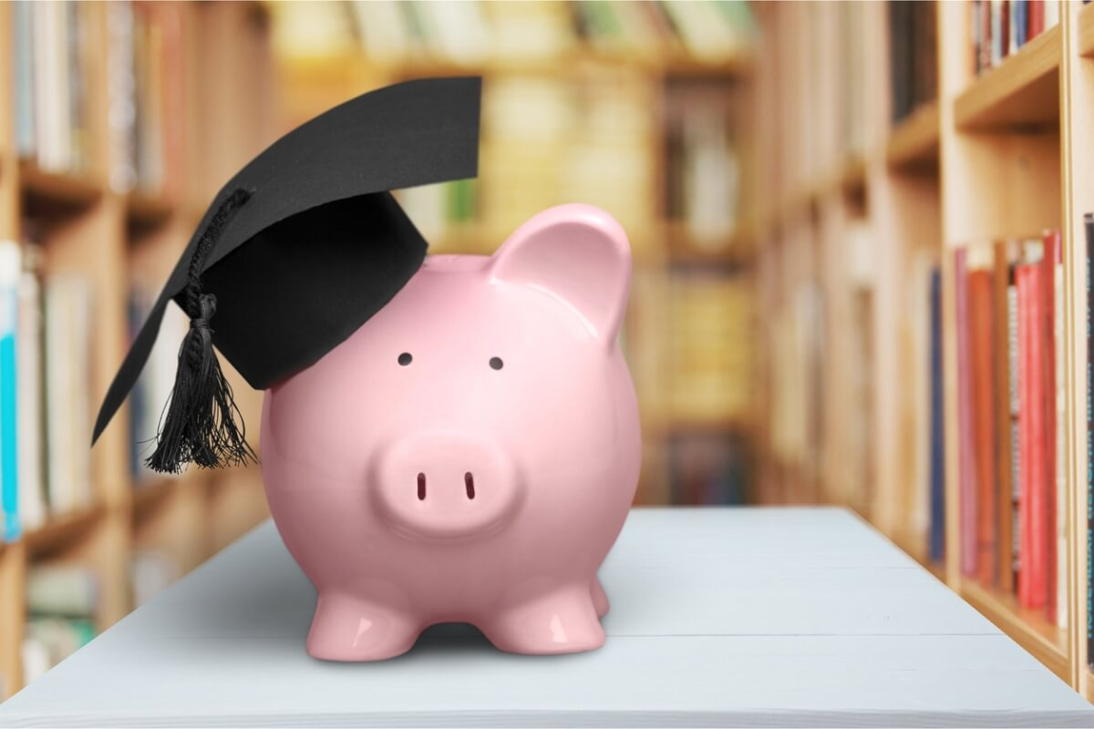 student savings piggy moneybox